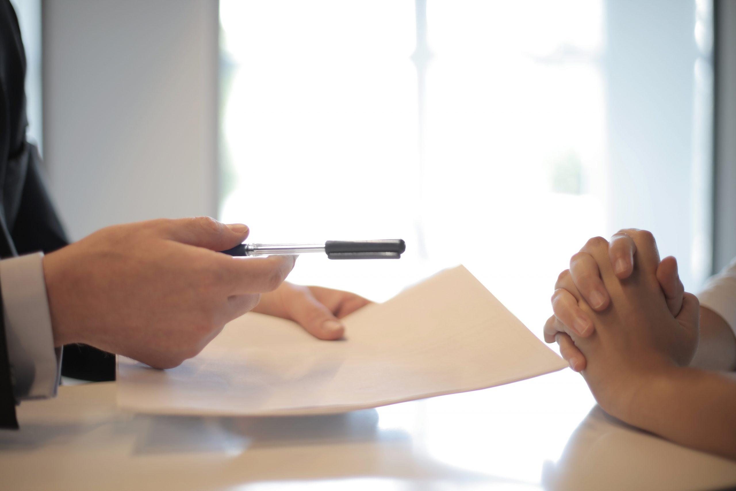 firma de póliza agente de seguros